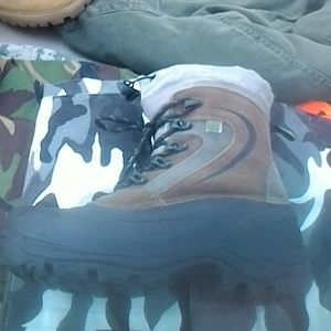 Brown and Black Men's Rugged Outback Boots